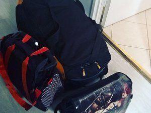 Dans un petit sac de transport pour un week-end